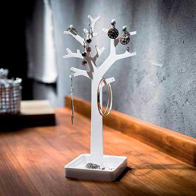 Закачалка-за-бижута-и-аксесоари-дърво