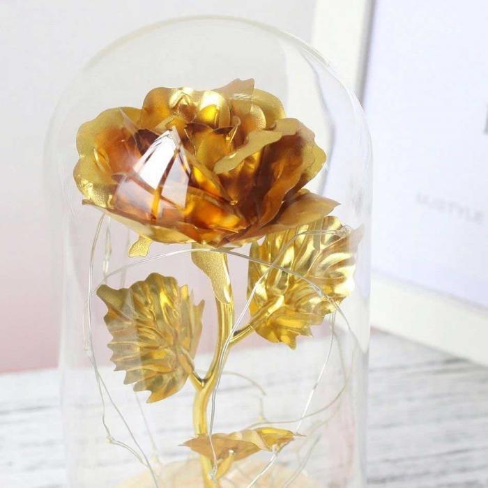 zlatna-roza-v-staklenica-1