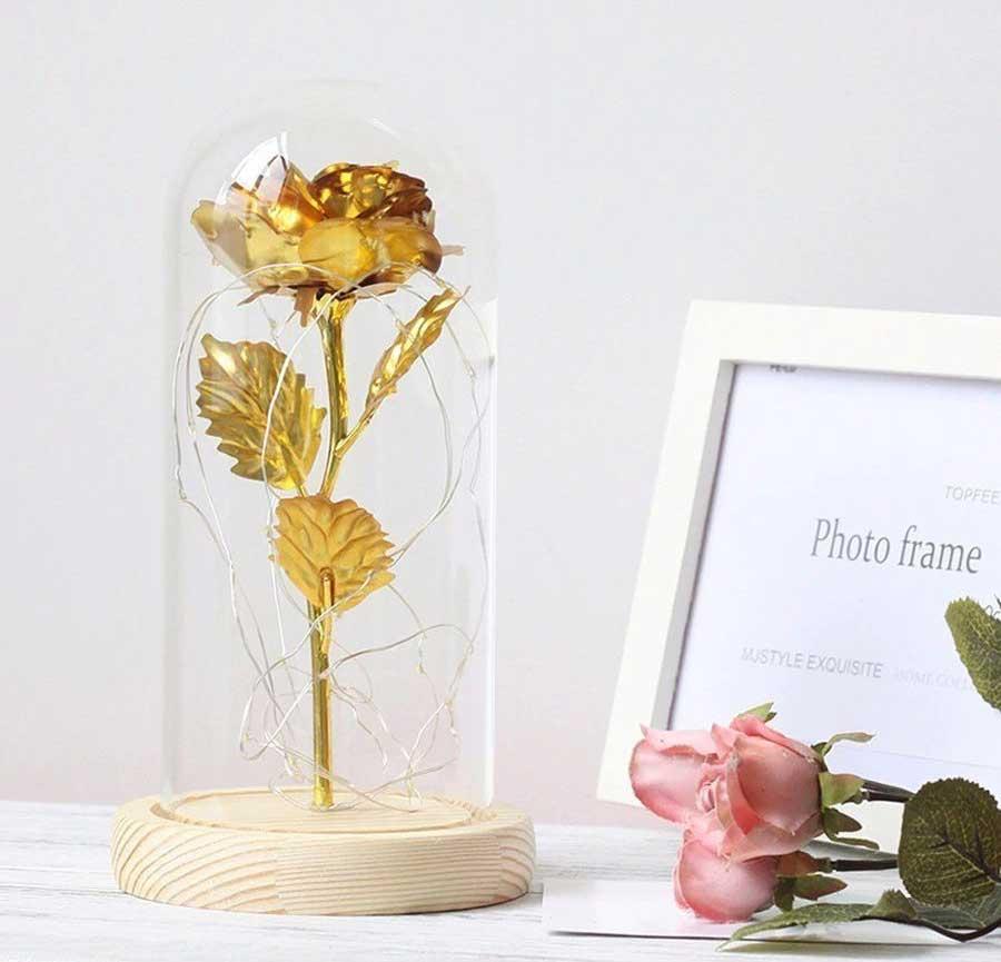 zlatna-roza-v-staklenica