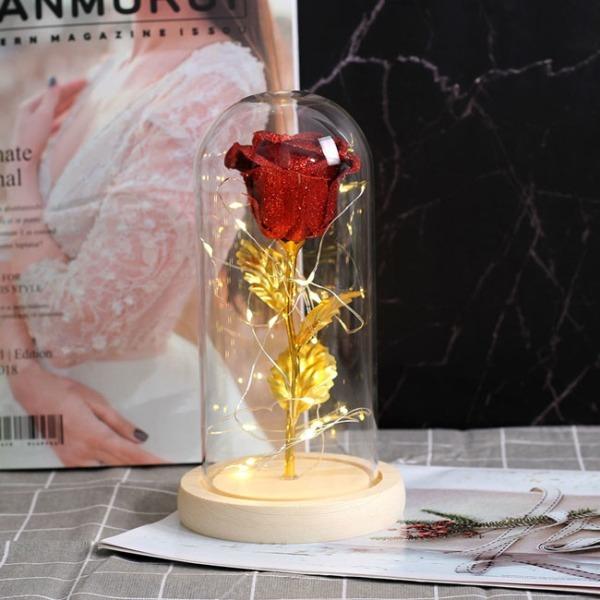 zlatna-roza-v-stiklenica
