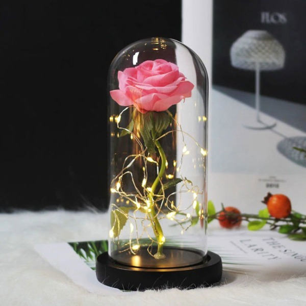 rozova-roza-v-staklenica