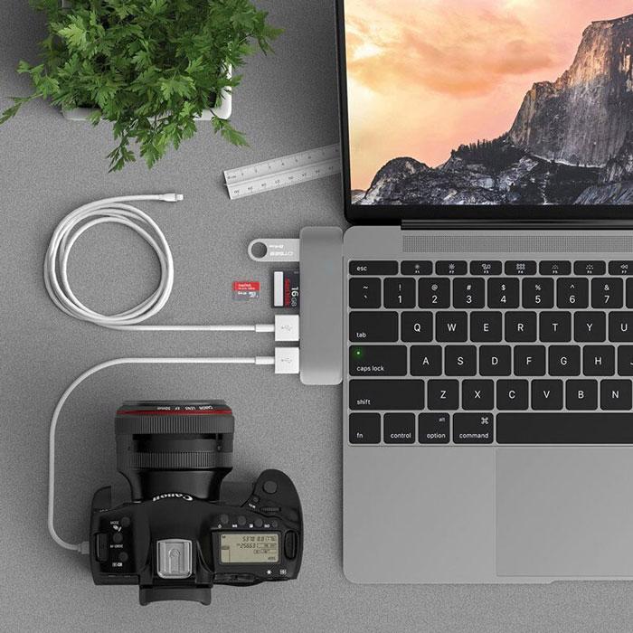 usb-c-hub-adapter-usb-3-1-s-pd-slot-za-sd-i-tf-karti-za-macbook-pro-i-kompyutri-s-usb-c-port-1