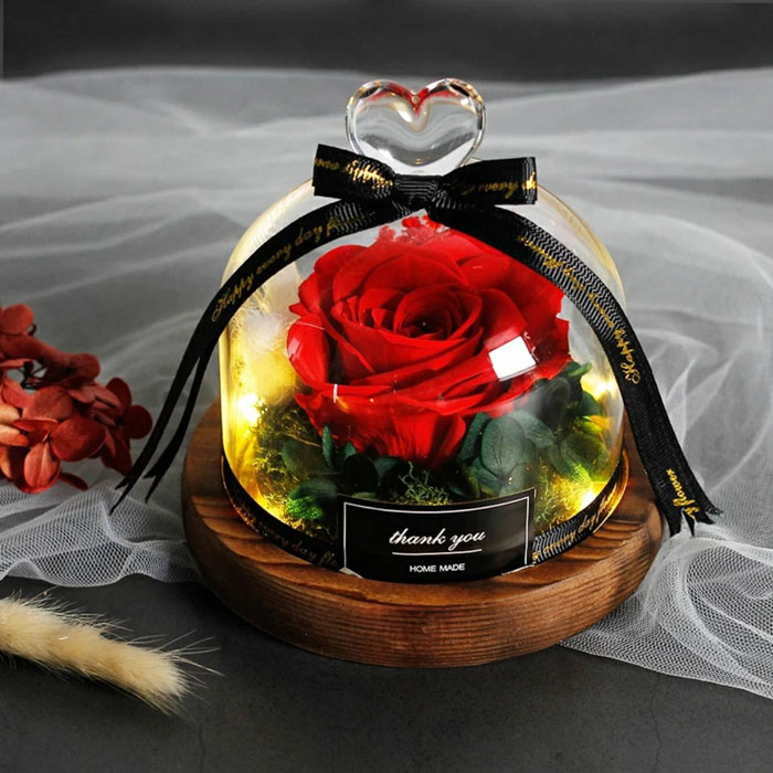 estestvena-roza-v-stiklenica-cervena-1